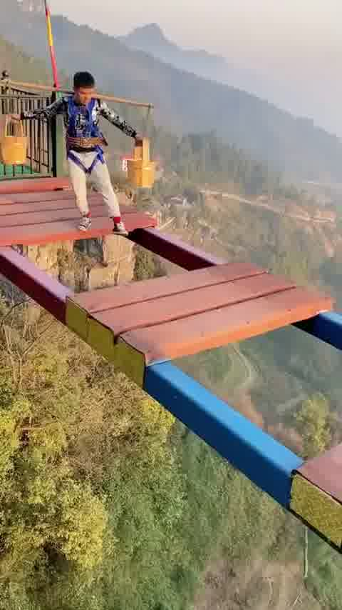 Would you dare to do this?😱😱 Follow @richtravelworld Follow @richtravelworld Follow @richtravelworld By: @? #travel #nature #explore #explorepage #tropical #tour #world #exotic #cruise #earth #trees #palmtrees #vacation #summer #winter #mountains #skydiving #parachuting #planes #exploration #living #lifestyle #luxurious #comfortable #views #beautiful #animals #lakes #beaches #natural